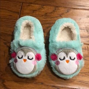 Other - NEW! Toddler fuzzy cozy faux fur slippers